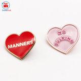 Comercio al por mayor No Sulking de metal personalizados Corazón Rosa regalo insignia de solapa fabrica