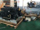 L'eau minérale Eau potable le plafonnement de la machine de remplissage