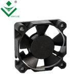 3510 12 V CC sans balai de refroidissement 35x35x10mm pour le routeur du moteur du ventilateur