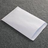 配達のための明白で白いエンベロプペーパー包装のエンベロプ