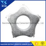 コンクリートおよびアスファルト表面を準備するか、または水平にするための土掻き機のカッター