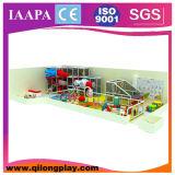 A associação grande da esfera caçoa o campo de jogos interno (QL-17-30)