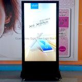 Advertisng Aluminiumrahmen-freier stehender Fußboden, der LED-hellen Kasten steht