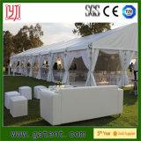 贅沢な屋外の結婚披露宴のテントの多彩なライニング