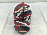 Chapéu feito sob encomenda do camionista do engranzamento de Camo com projeto do logotipo do bordado 3D