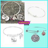 Kundenspezifisches preiswertes Zink-Legierungs-Silber gravieren Zeichen-Charme-Draht-Armband