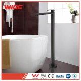 Singolo rubinetto di vasca da bagno nero fisso d'ottone moderno della leva