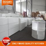 自由なハンドルデザイン白く光沢度の高い台所家具