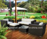 庭の家具のための屋外の藤または枝編み細工品のソファー