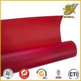 Твердый красный прозрачный лист PVC в крене