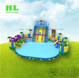 아이를 위한 거대한 팽창식 물 위락 공원