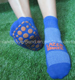 Le professionnel fait sur commande de constructeur de chaussette de la Chine badine la chaussette de compactage tricotée par glissade d'intérieur de stationnement de tremplin anti