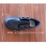 Кожа ботинок холстины в вскользь ботинках