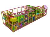 Скольжение спортивной площадки самого последнего скольжения безопасности детей крытое пластичное