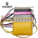 Les plus défunts sacs d'emballage dans divers modèles de couleurs pour des sacs de dames et de femmes