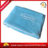 100% de poliéster tricotadas cobertor de lã com logotipo Bordado