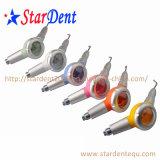 Prophy를 닦는 다채로운 치과 공기 Prophy 동료 또는 공기 광택기 이