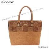 많은 것을%s 적당한 숙녀 대조 PU를 위한 Special Material Matte PU Fabric 특별한 디자인을%s 가진 핸드백은 둔다