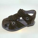 Het populaire Vlakke OpenluchtStrand Sandals van de Jongens & van de Meisjes van de Zomer