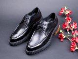 Кожаный ботинок для людей, выскальзование на ботинках платья Mens