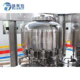L'eau pure en bouteille de remplissage automatique le plafonnement de l'équipement / machine