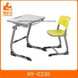 Projetos da mesa do estudo do frame do metal e tabela e cadeira do estudante da escola primária