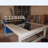 Machine de découpe de l'échantillon textile avec table rotative