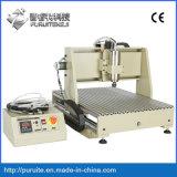 CNC della macchina per la lavorazione del legno che intaglia per elaborare di falegnameria