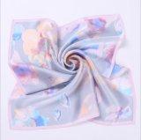 디지털 인쇄 숙녀를 위한 실크 스카프 직물을 주문을 받아서 만드십시오