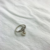 도금되는 은 화이트 골드 지르콘 돌 다이아몬드 여자를 위한 백색 진주 반지 도금