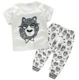 Костюмы способа младенца с тенниской и кальсонами в одеждах детей