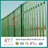 W/Dのセクションによって電流を通される粉の上塗を施してある柵の塀