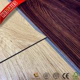 2mmに床を張る安い価格のカシのオーストリア人の積層物PVC