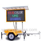 Les machines virtuelles de la signalisation à LED programmable Portable trafic électronique en couleur Les systèmes de panneaux à message variable
