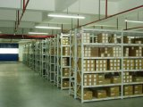 義務の倉庫のラッキングのBoltlessの中型の棚付け