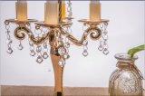Sostenedor de vela de cristal claro con tres carteles que hielan