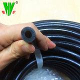 Professional fait en usine de caoutchouc du tuyau flexible noir 1 2 taille disponible résistant à l'huile flexible de carburant