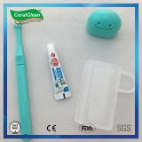 小型微笑の洗浄のコップ旅行キットのFoldable歯ブラシの歯磨き粉キット