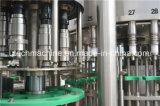 Estábulo que funciona o mineral automático do frasco do animal de estimação/máquina de enchimento pura da água