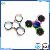 Het kleurrijke Metaal die van de Gift van het Stuk speelgoed Plastic Hand dragen friemelt Spinner
