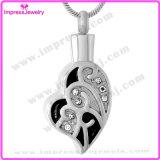 De Vorm van het hart met de Halsband van Kristallen om de Tegenhangers van de Urn van de As te houden