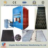 機械を作っている自動ゴム製タイルの加硫の出版物