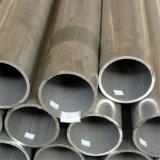 Un tubo di alluminio e un tubo di 3000 serie