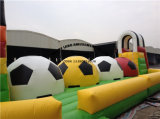 Jeu gonflable de Wipeout de Baller de bille courante gonflable du football grand