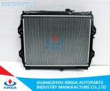 Repuestos de automóviles Alquiler de radiador de aluminio para Toyota Hilux 2.4 (diesel) en