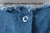 Тенниска джинсовой ткани просто и одичалых повелительниц лета