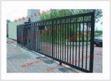 Puerta de desplazamiento robusta del hierro labrado de Ornamenta