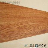 Suelo de madera auto-adhesivo insonoro antibacteriano del vinilo de la mirada del PVC