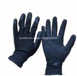 Для защиты рук полиэфирная пленка с покрытием из латекса черного цвета вязаные рукавицы