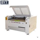 Gravura do laser do CO2 da máquina do gravador de Laesr dos materiais de anúncio